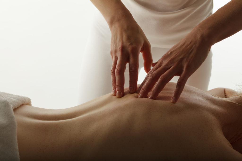 Спортивный лечебный массаж